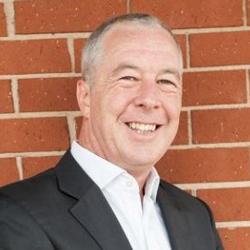 Adrian Swinscoe - Consultor e Acessor de Experiência ao Cliente - Connecting Stories PARTTEAM & OEMKIOSKS