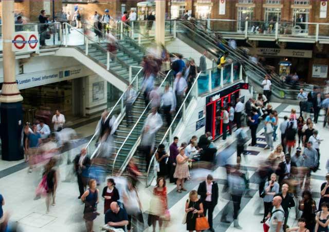 Multimedia Kiosks and Digital Billboards for Shopping & Retail