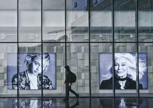 Multimedia Kiosks and Digital Billboards for The Store of Future