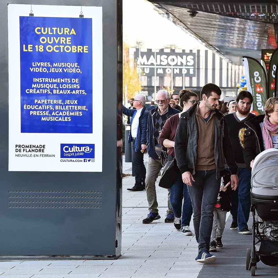 Digital Billboards for Shopping in France