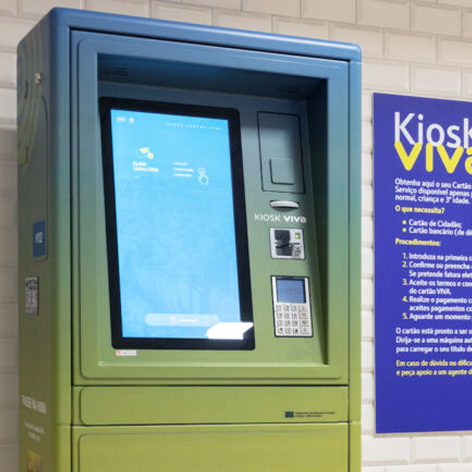 Lisbon Metro uses ticketing kiosk to issue VIVA Card in a few minutes