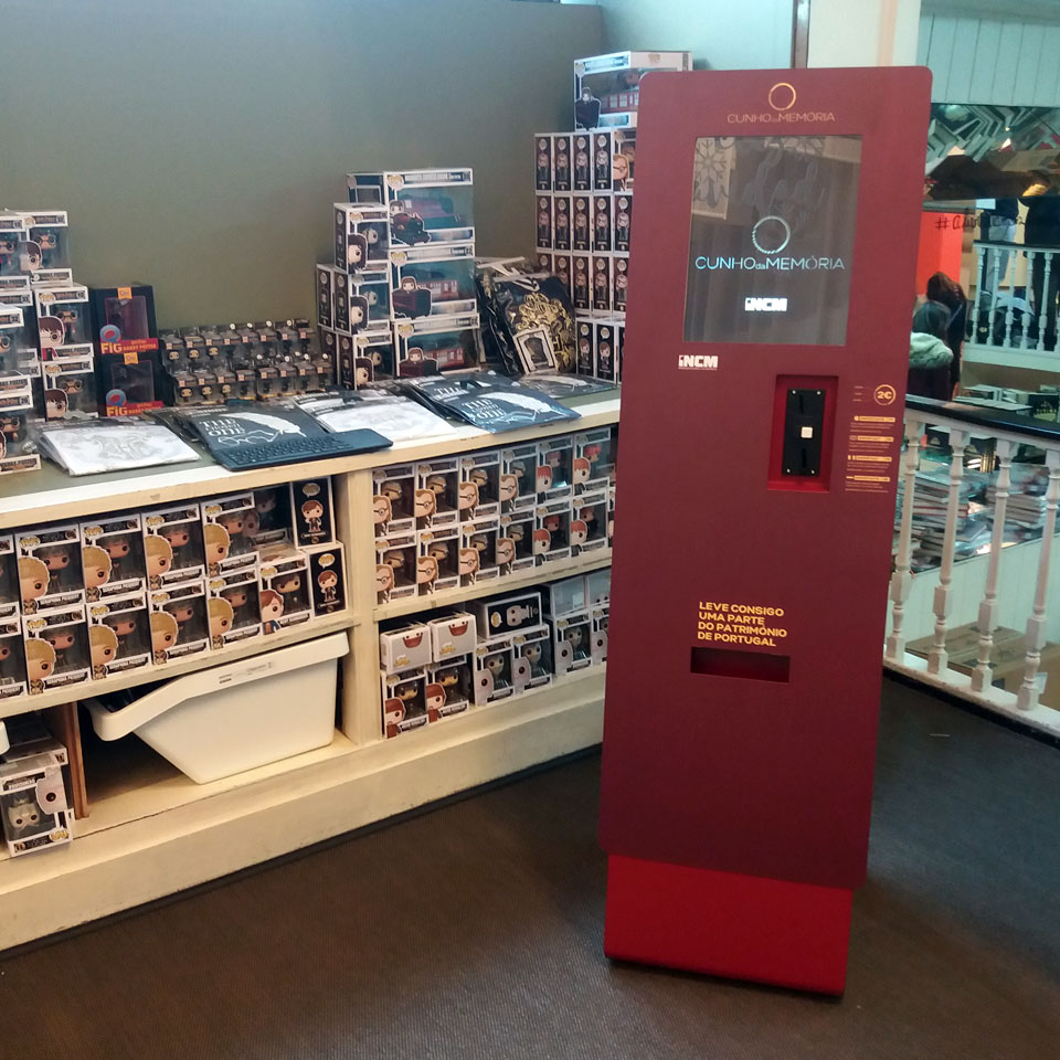Livraria Lello: PARTTEAM & OEMKIOSKS Technology and the Heritage of Portugal
