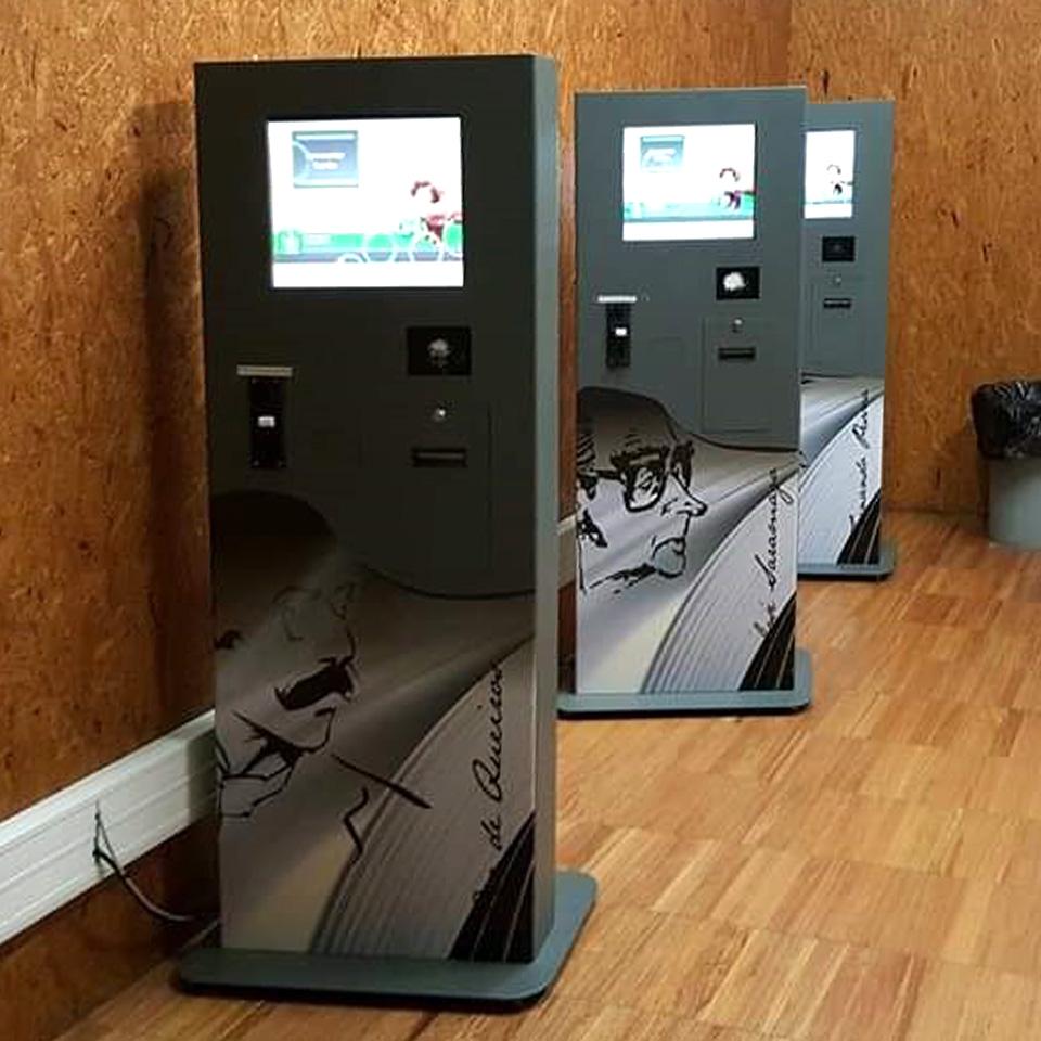 Camilo Castelo Branco High School with Self-Service Kiosks