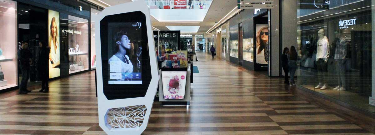Advertising and Interactive Wayfinding for Nosso Shopping in Vila Real