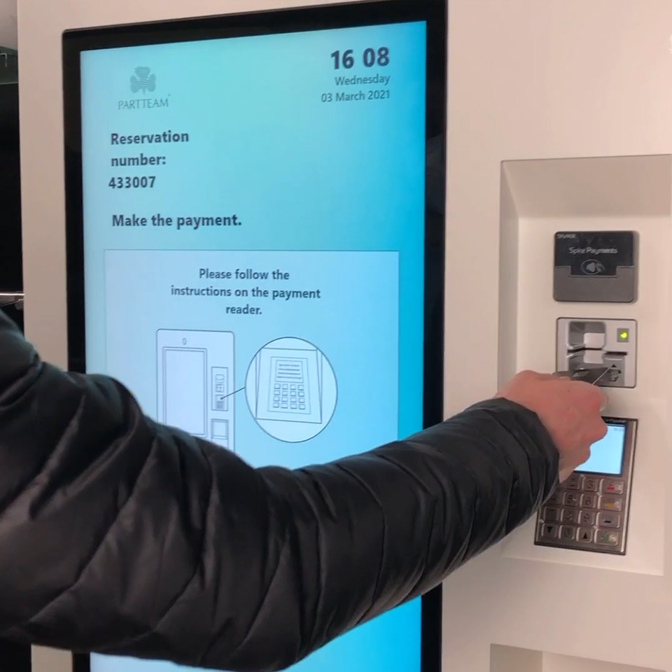 Software YKioskHotel: The self-checkin and reservation payment system for kiosks