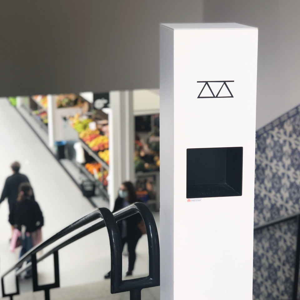 City Market of Famalicão guarantees hygiene and safety with HAND gel dispenser kiosks