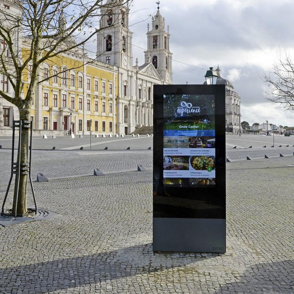 Interactive Digital Billboards ZYTEC promote tourism in Mafra
