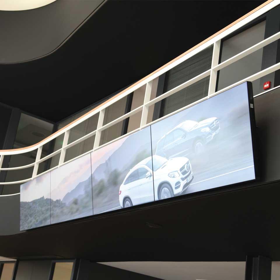 PARTTEAM & OEMKIOSKS technology for concessionaire Soc. Com. C. Santos: Mercedes-Benz and Smart