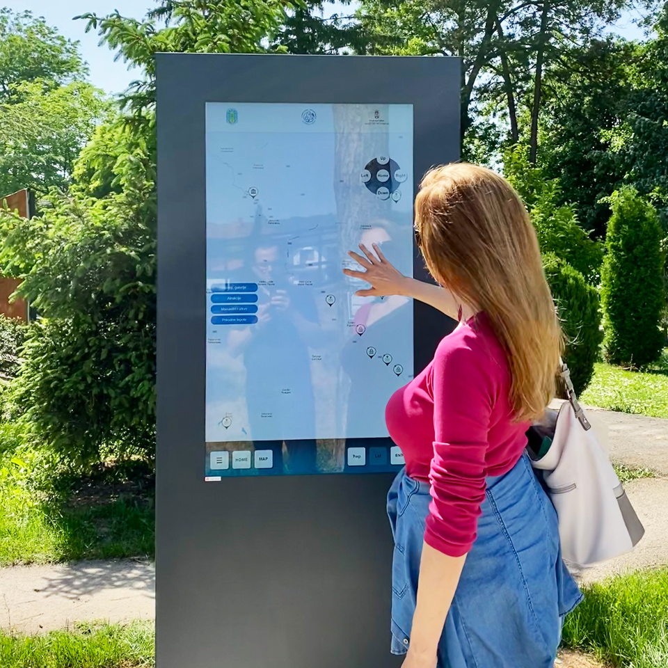 Digital Billboard PLASMV in Petrovac, Serbia, contributes to the development of Smart Cities