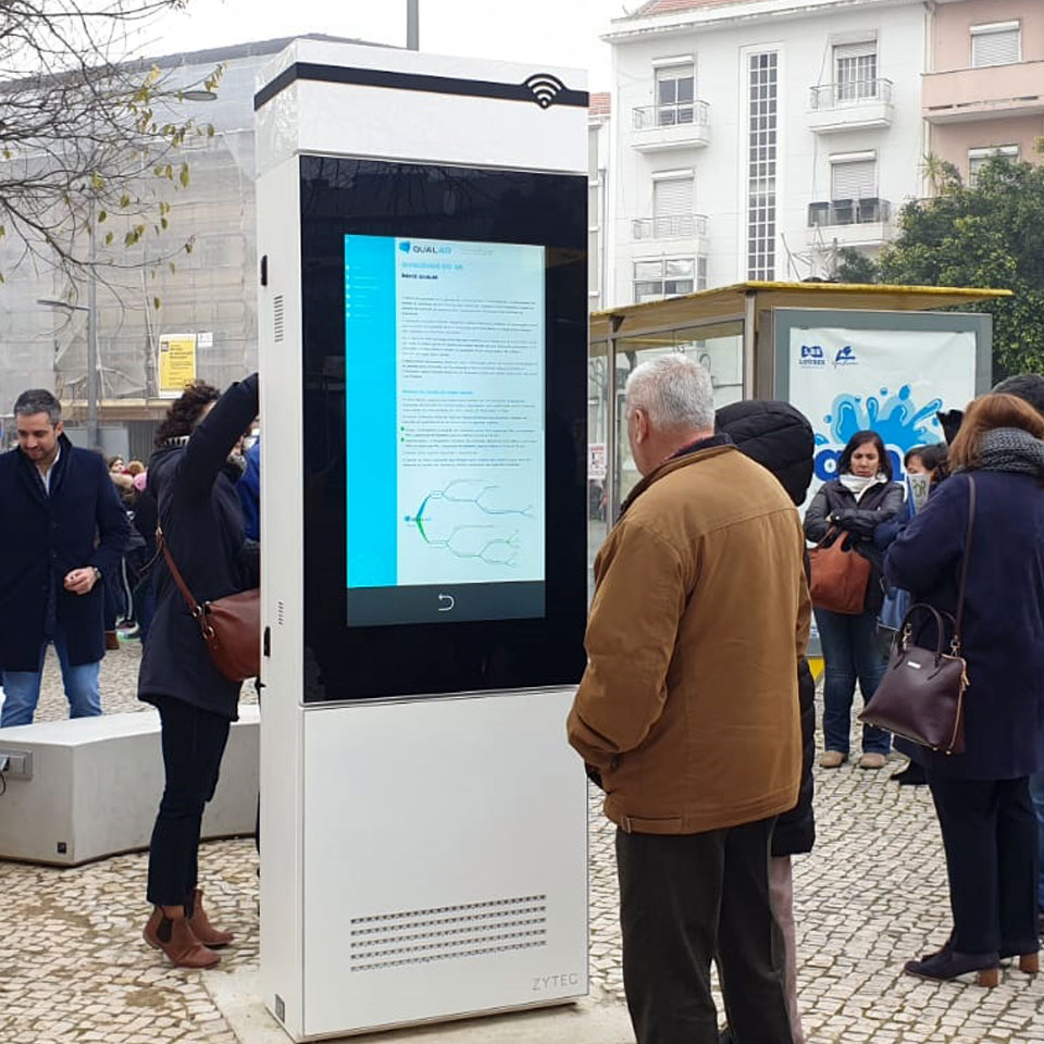 Digital Billboards connected to LoRa network