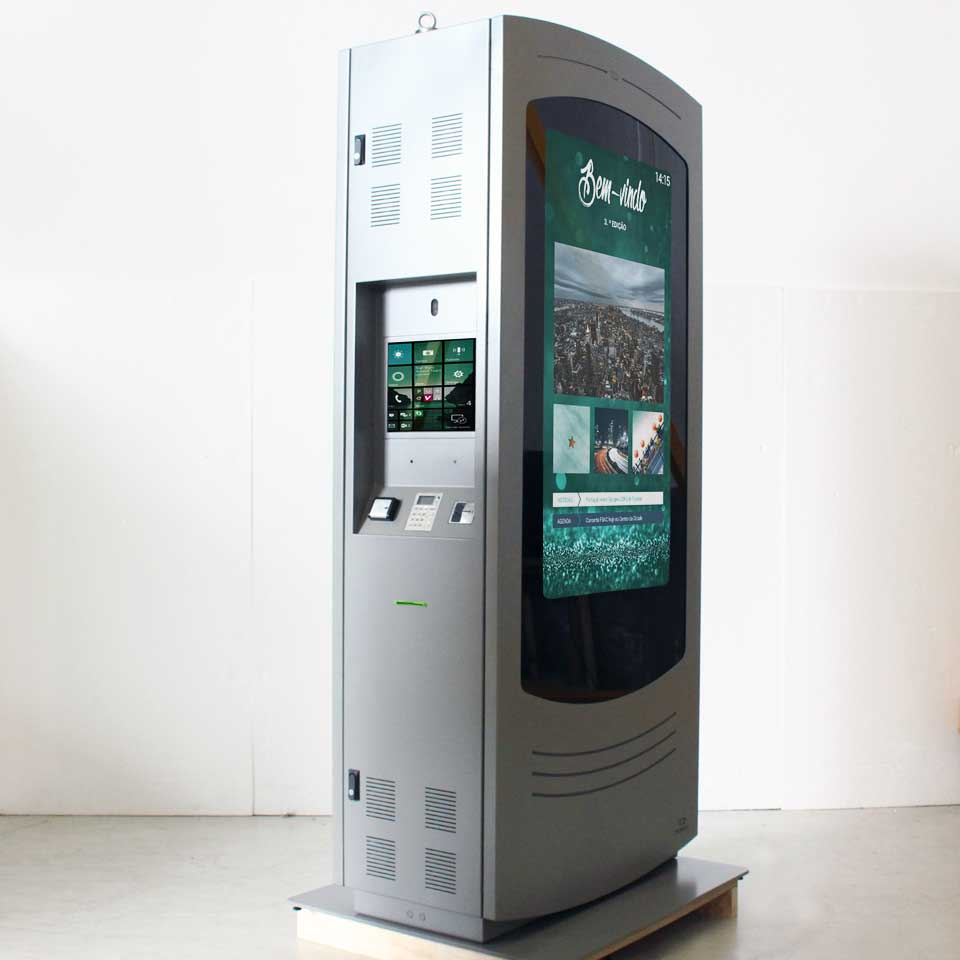 NOMYU Side Display Version: The Digital Billboard that is an asset for urban communication
