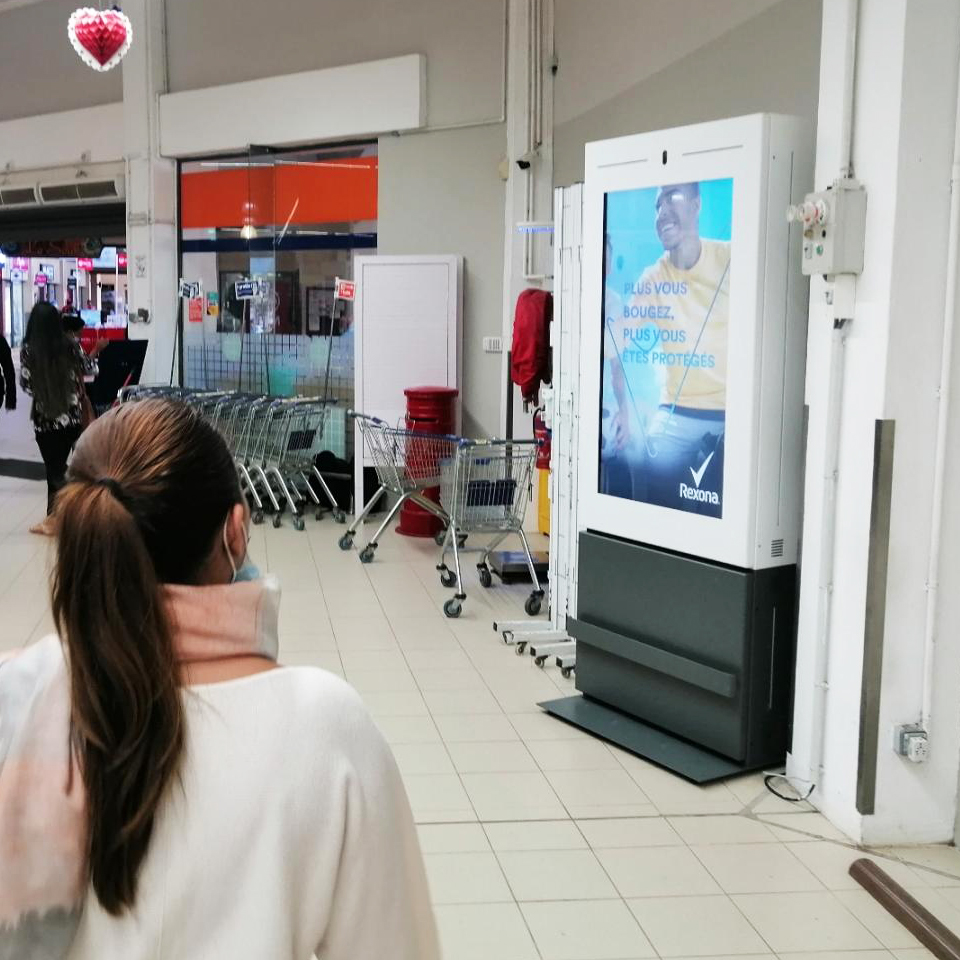 PARTTEAM & OEMKIOSKS Digital Billboards in Mauritius boost communication