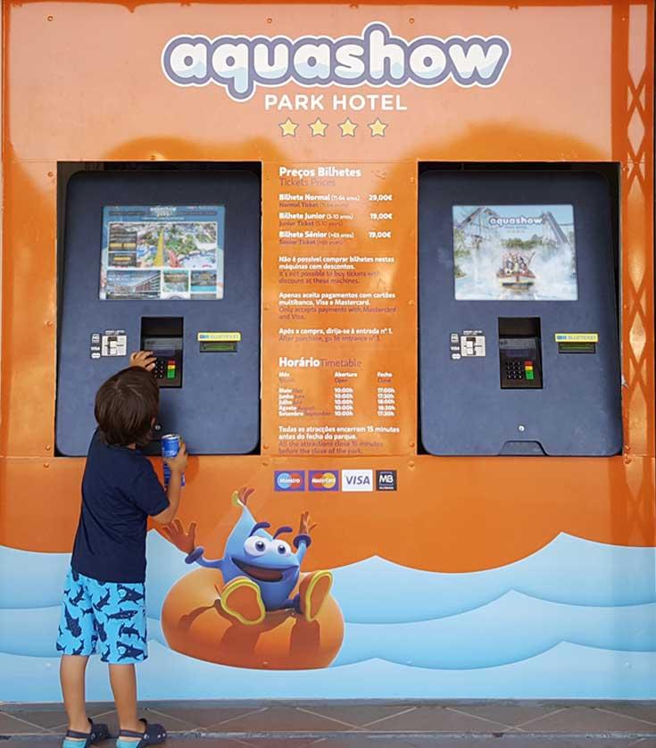 AQUASHOW - Digital self-service ticketing kiosks