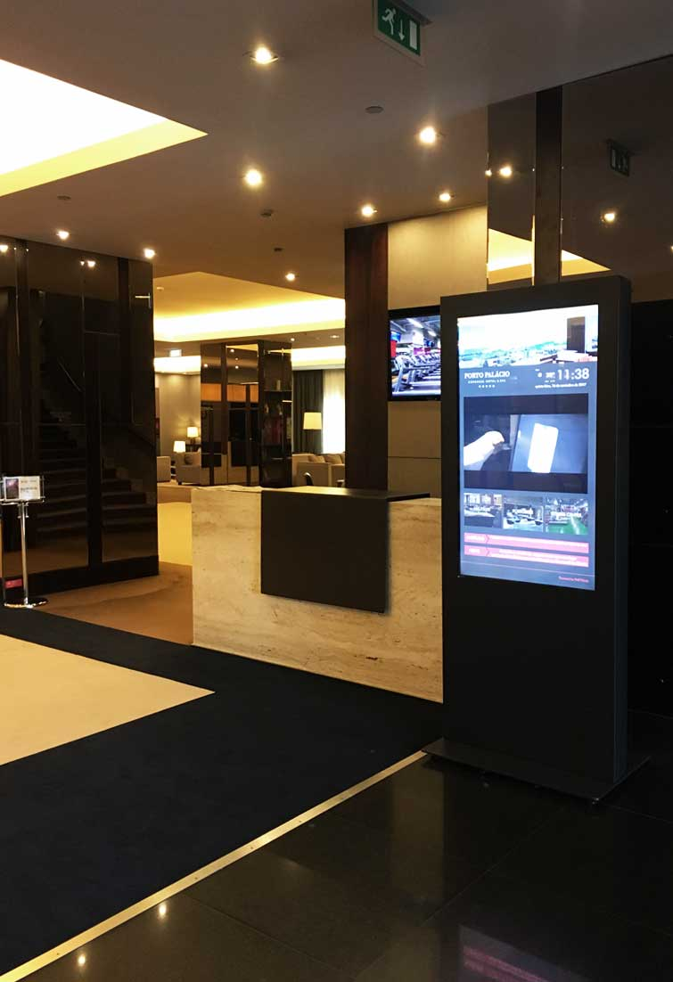 Hotel Technology: Digital Billboard informs guests