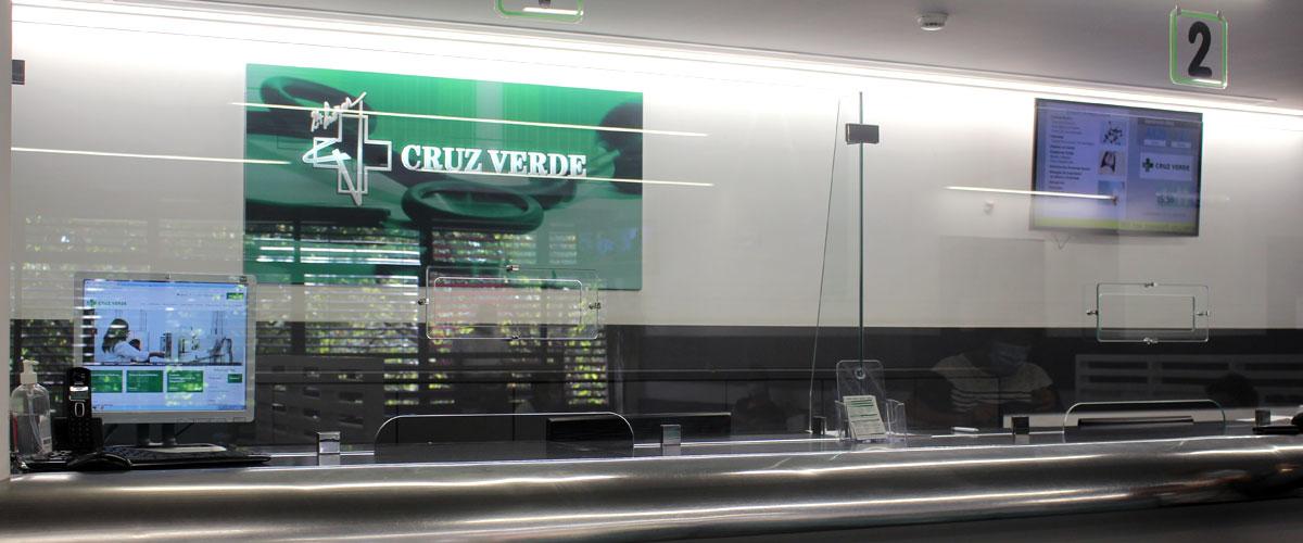 Cruz Verde clinic optimizes service with QMAGINE queue management system