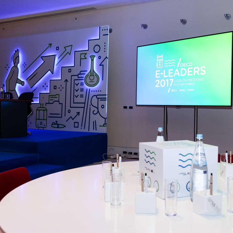 Digital Billboard in Conference OECD E-LEADERS 2017 Lisbon