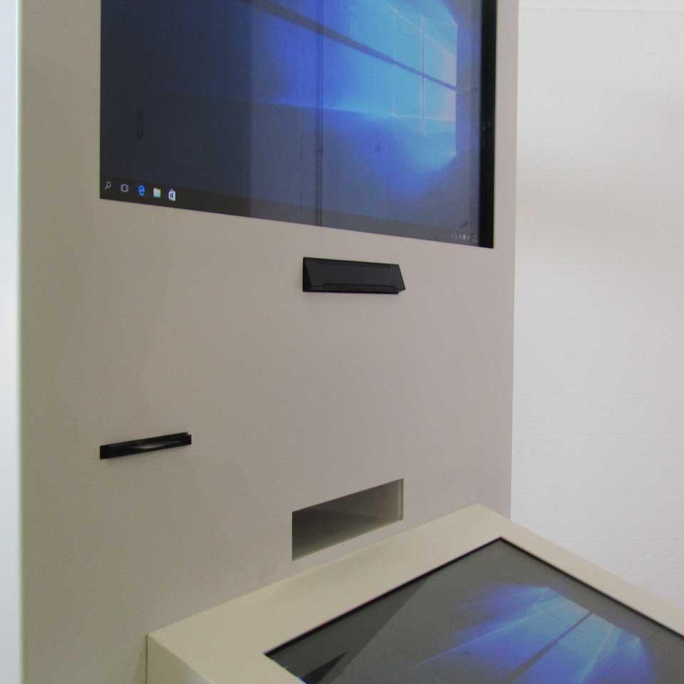 Digital height-adjustable motorized kiosk