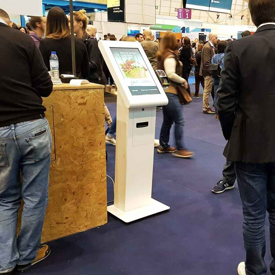 Web Summit 2017: Self-service digital kiosks