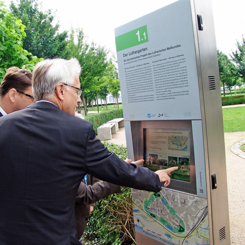 PARTTEAM & OEMKIOSKS interactive kiosks for Luthergarten