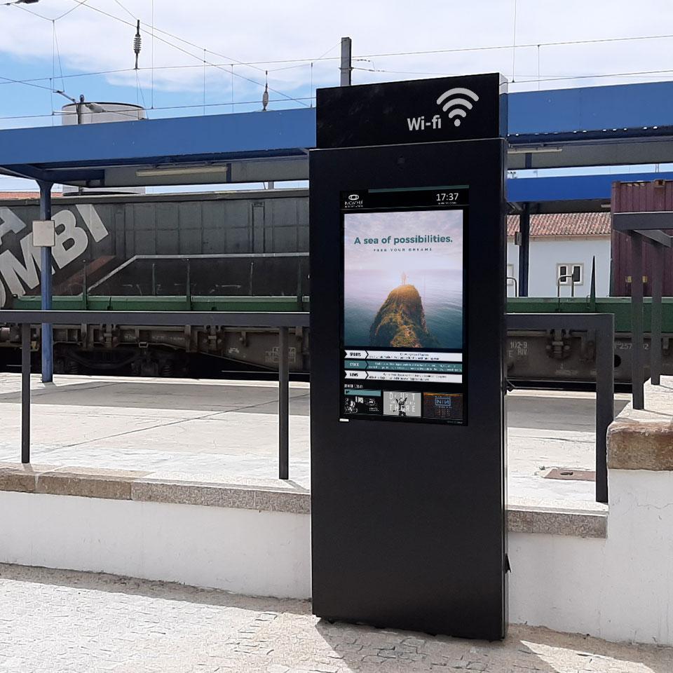 Vilar Formoso Installs Interactive Digital Billboard with Free Wi-Fi