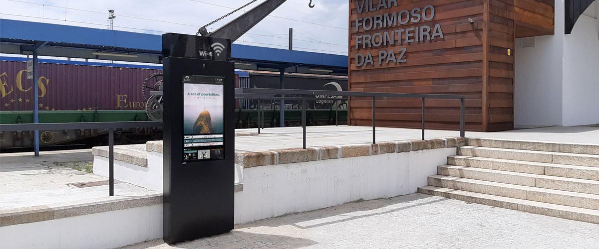 Vilar de Formoso installs interactive digital billboard with free Wi-Fi