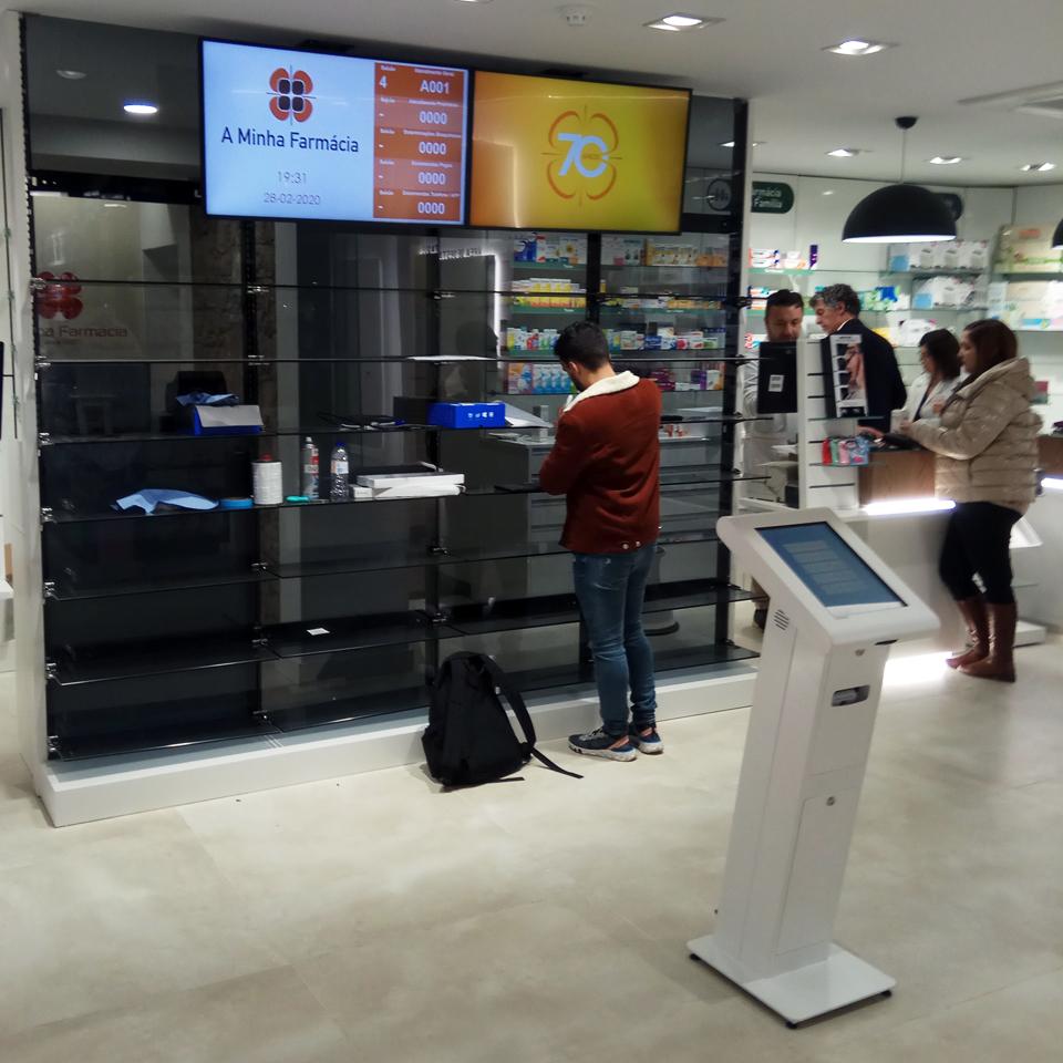 A Minha Farmácia uses QMAGINE queue management system