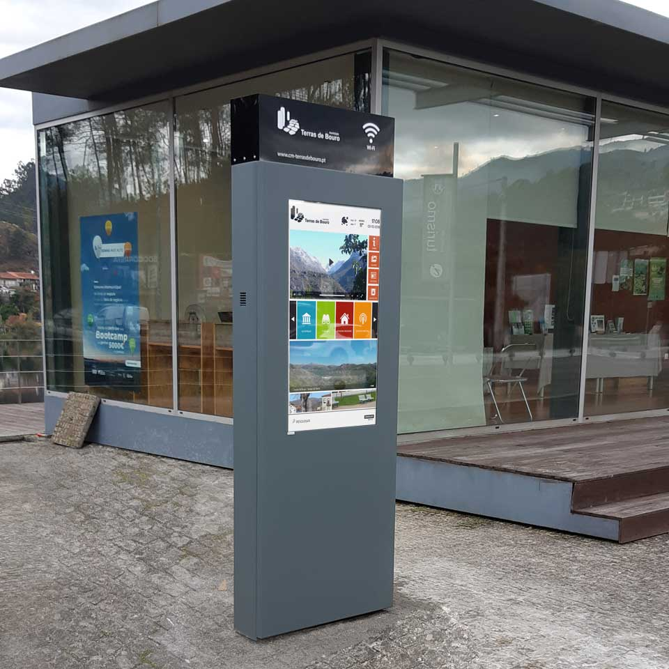 Municipality of Terras do Bouro install Digital Billboards with Free Wi-Fi