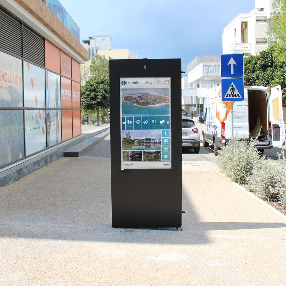 Tourism digital billboards for Tróia Peninsula