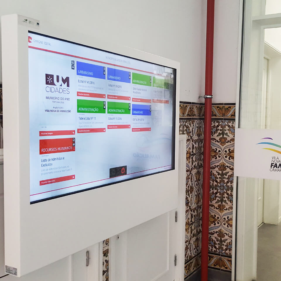 V.N. Famalicão City Council With Interactive Kiosks by PARTTEAM & OEMKIOSKS
