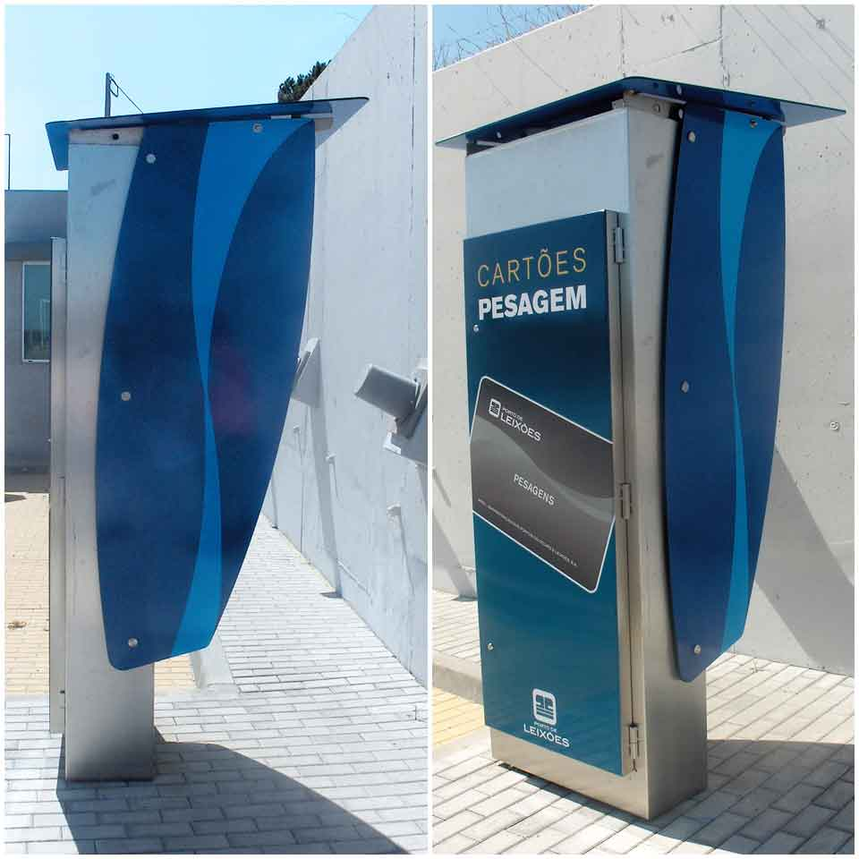Control and Management of Accesses with Multimedia Kiosks by PARTTEAM