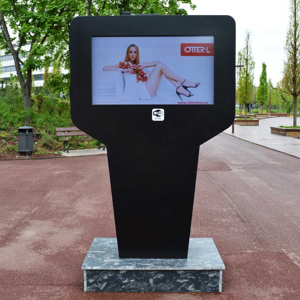 Digital Signage for Shoppings in Romania - Digital Billboard by PARTTEAM