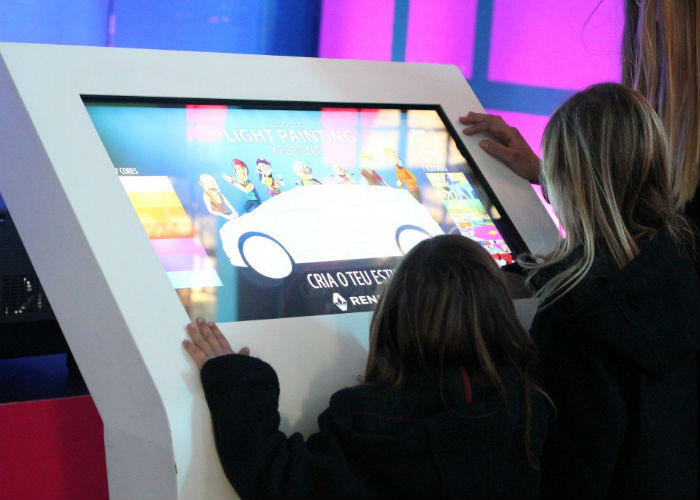 TEMBU interactivo no evento Grand Scénic Fun Stand by PARTTEAM