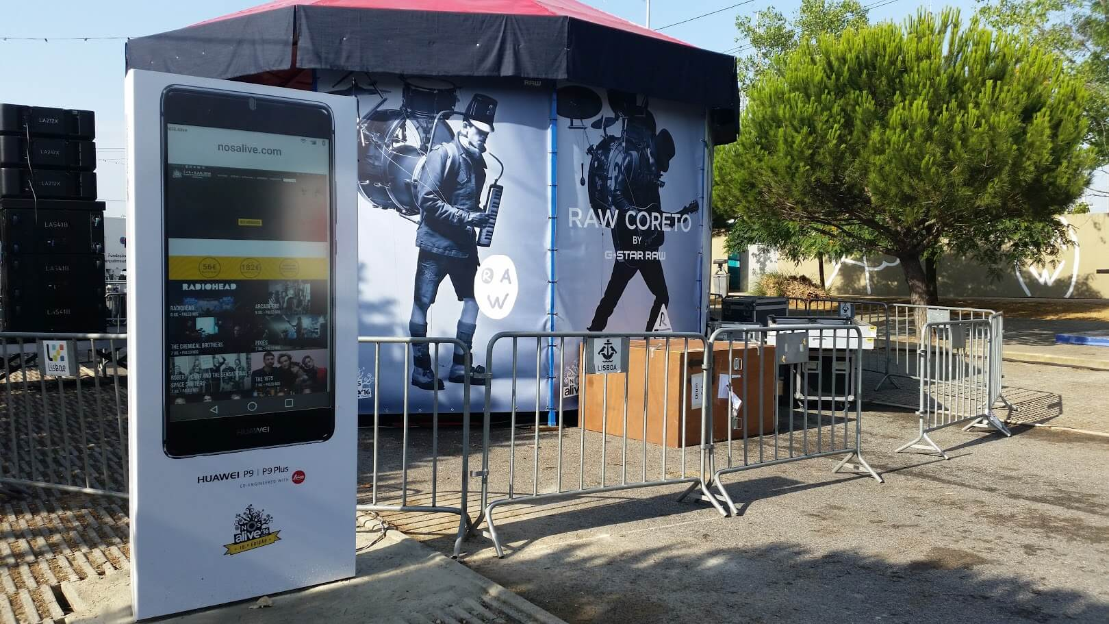 NOS ALIVE 2016: Digital billboards promote Huawei brand by PARTTEAM & OEMKIOSKS