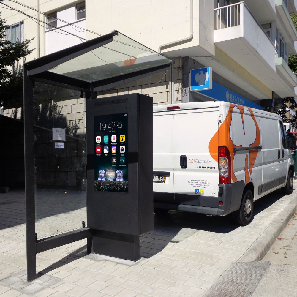 RIVER - Innovative Digital Bus Stop by PARTTEAM & OEMKIOSKS