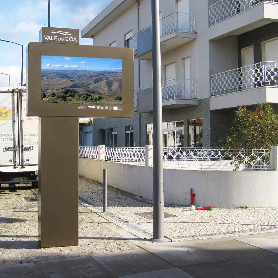 Digital Billboards in the Vale do Côa: Unesco World Heritage by PARTTEAM