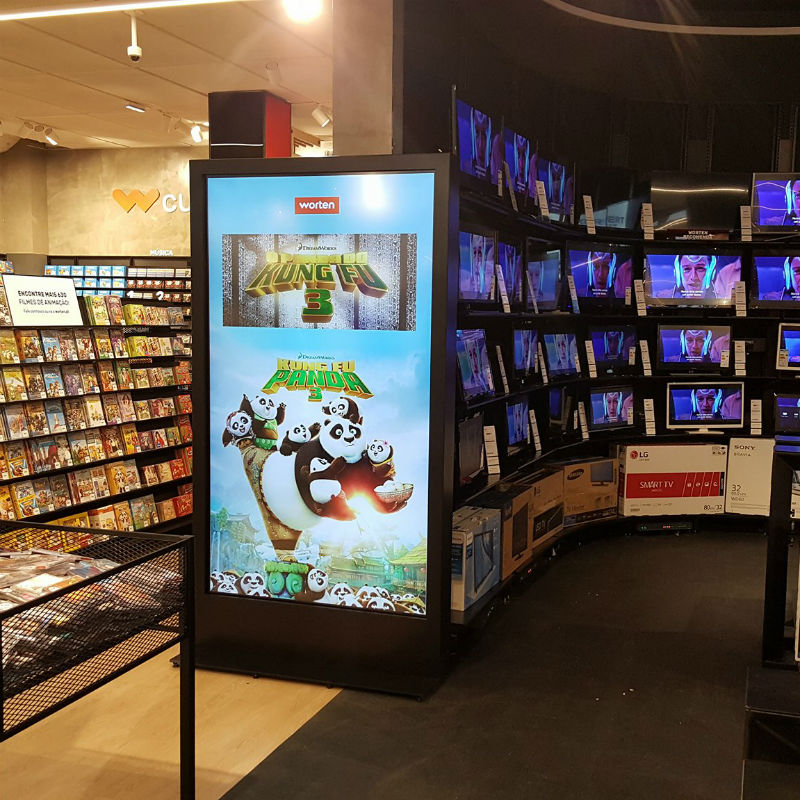 84'' Touchscreen Digital Billboards for Worten Stores by PARTTEAM & OEMKIOSKS